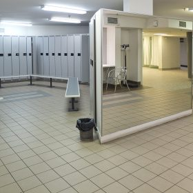 mens locker room_3217